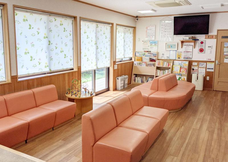 柔らかい雰囲気の待合室